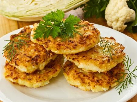 Печени кюфтета от карфиол, яйца и сирене на фурна - снимка на рецептата
